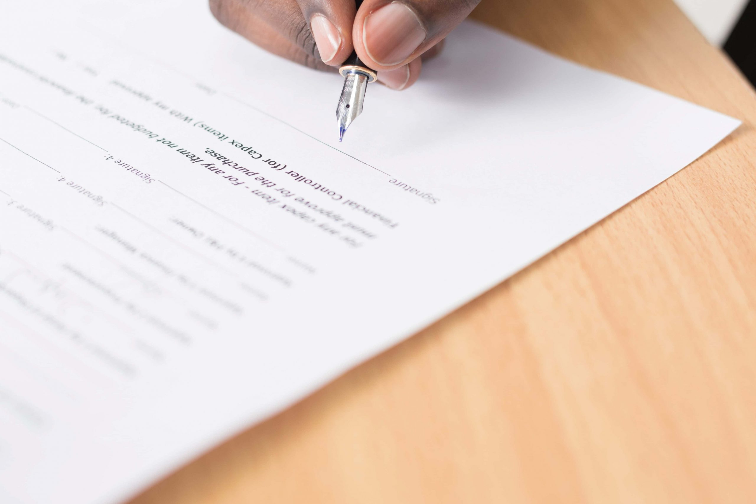 特定活動に必要な申請、書類の手続きとは?